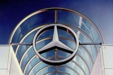 Custom signage for Mercedes Benz.