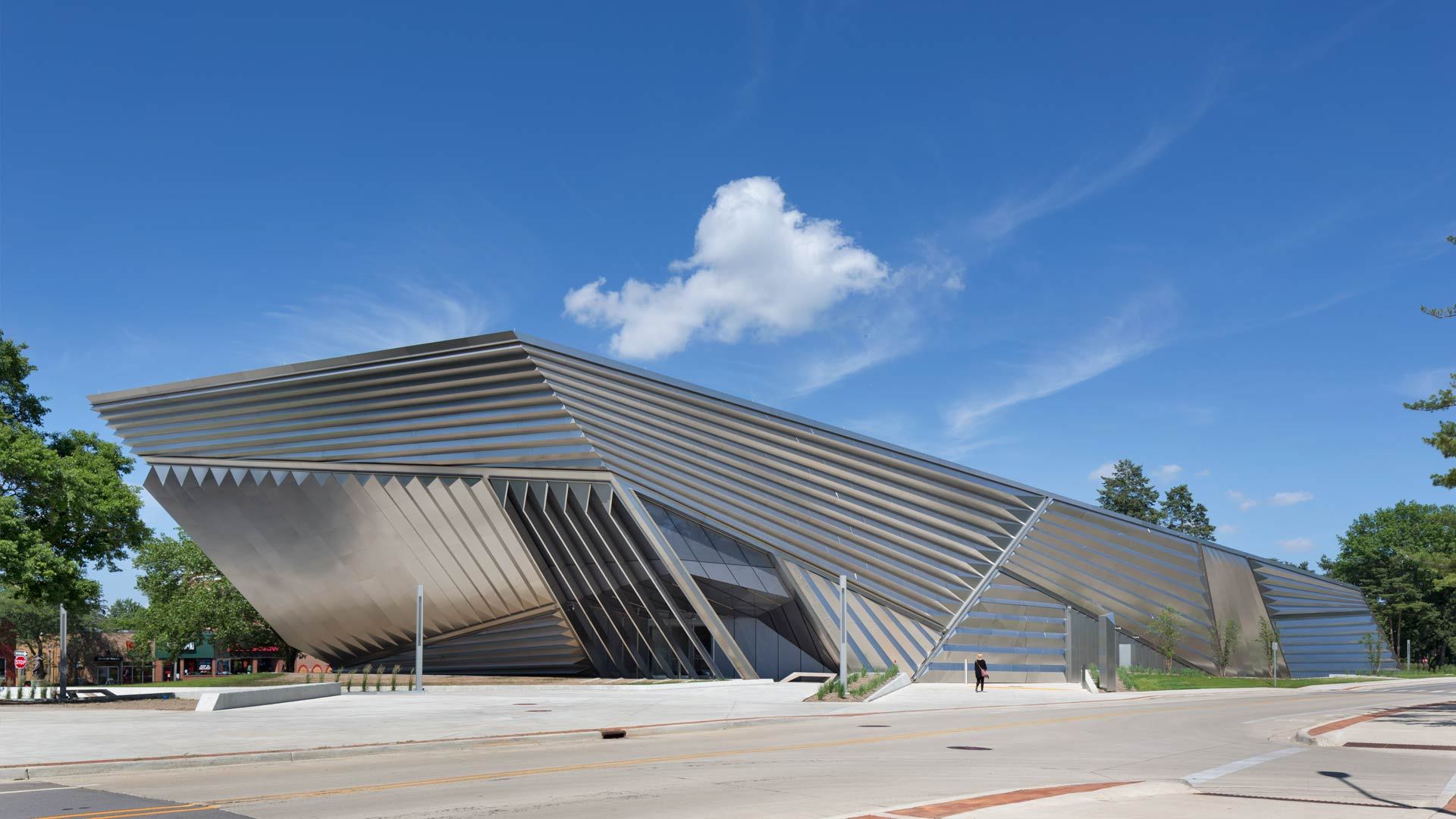 Reflective metal, viewed from southwest of the Broad Museum.