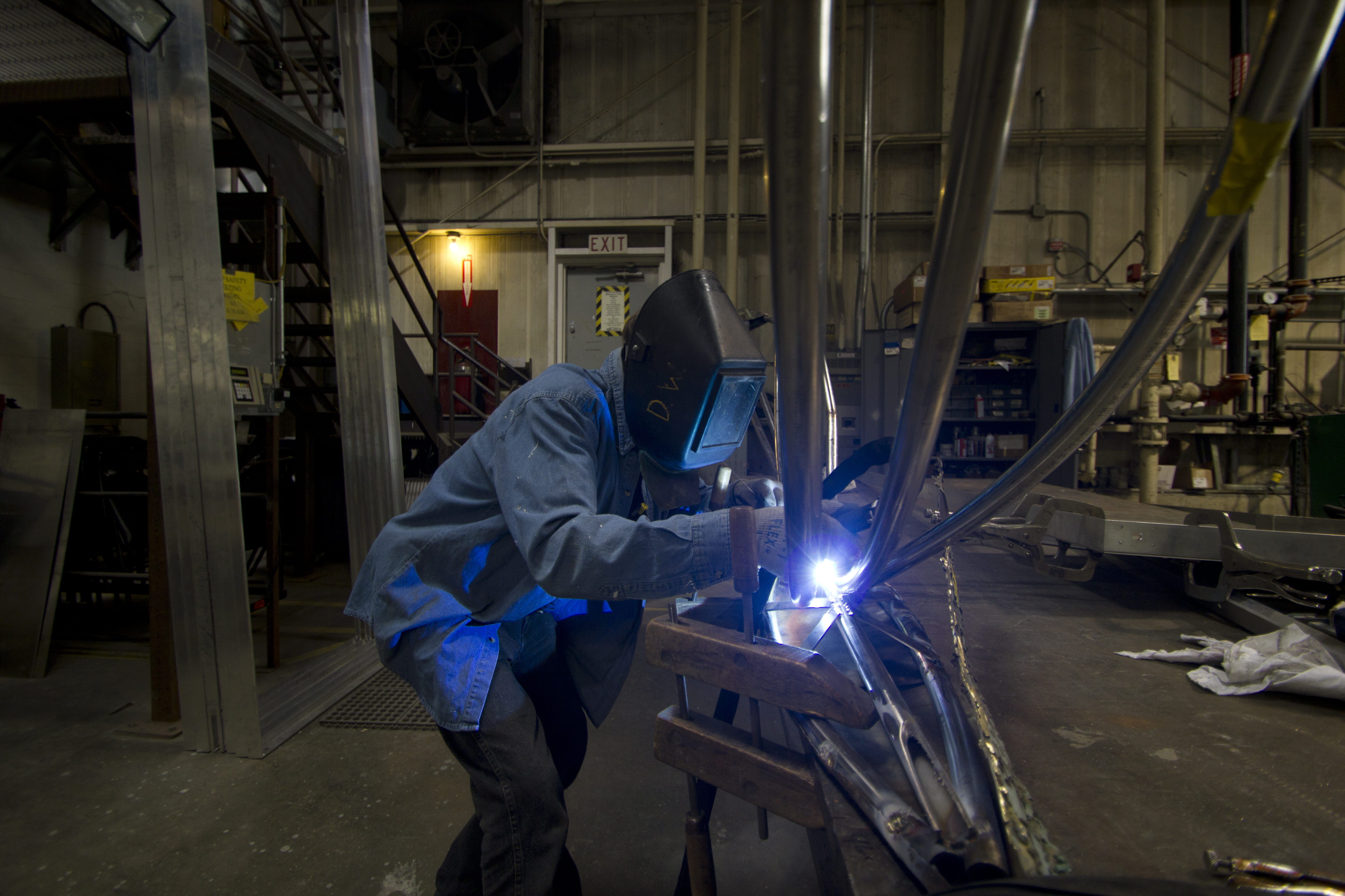 Zahner welds the new stainless steel armature for the Jac T. Bowen sculpture.