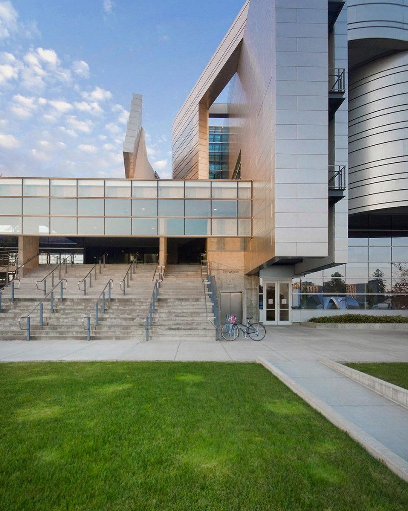 Federal Courthouse in Eugene, Oregon, designed by Morphosis.