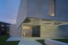 Photo of the kinetic light and soffit system developed for the Nerman Museum of ContemporaryArt.