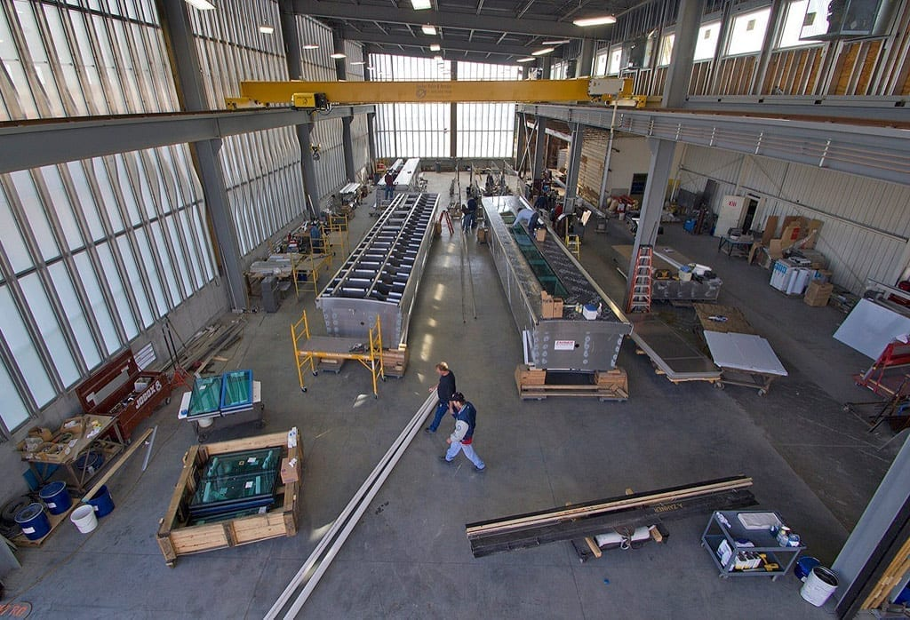 Photograph of the shop interior during the production of MIC.