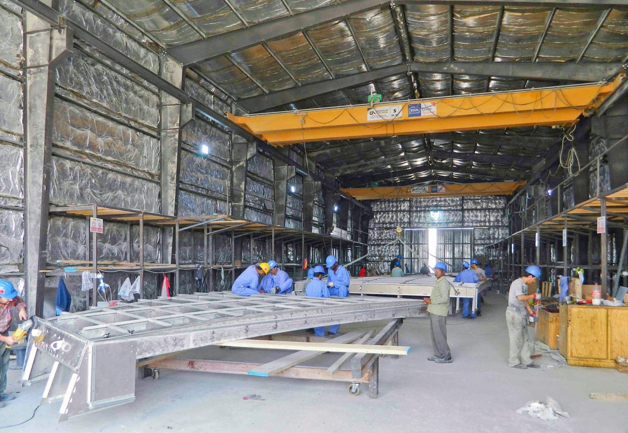 Assembly of an Export ZEPPS™ Panel in Doha.