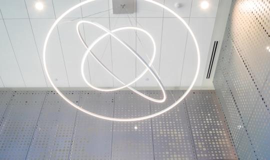 Interior aluminum panels featuring Zahner patented Louvered Zira technique.